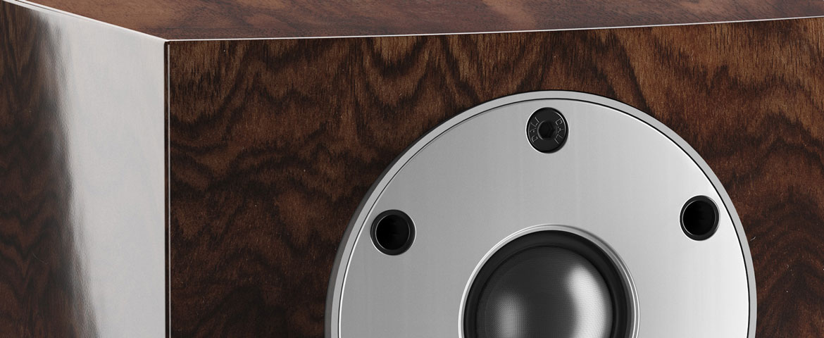 Dali MENUET SE – Tiny bookshelf speaker with technical upgrade and new cabinet finish